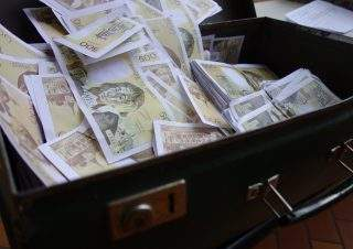 Valise 500 francs ouverte